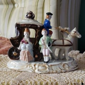 Horse drawn carriage Figurine